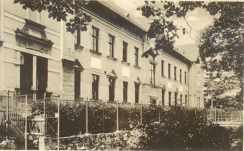 Budova bývalej chlapčenskej meštianskej školy, dnes gymnázia