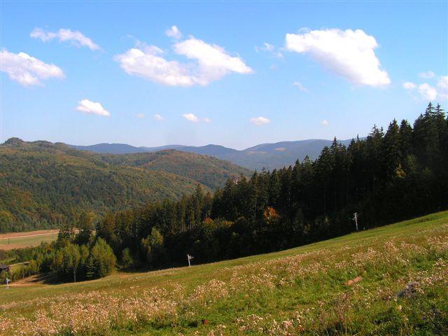 Pohľad zo zjazdovky Július smerom na dobšinské kopce