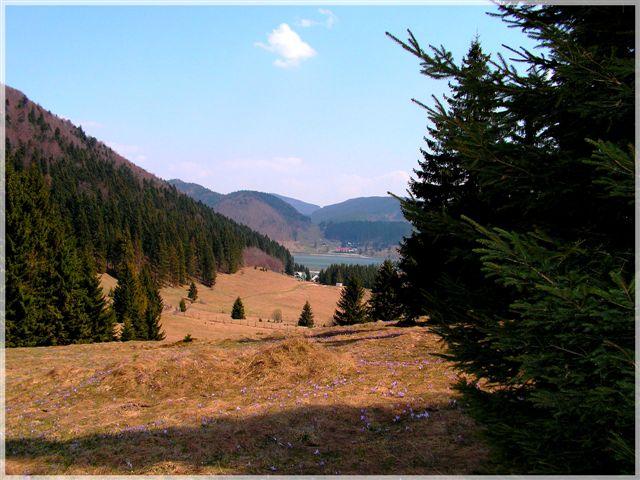 Pohľad z Voniarok na Dobšinskú Mašu a priehradu