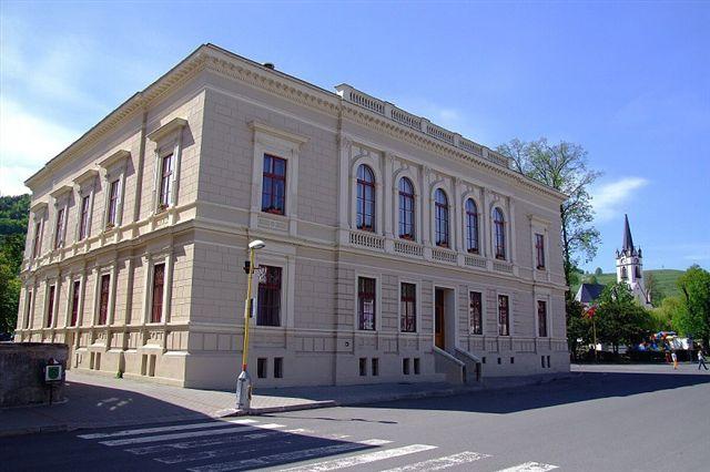 Dobšinská radnica